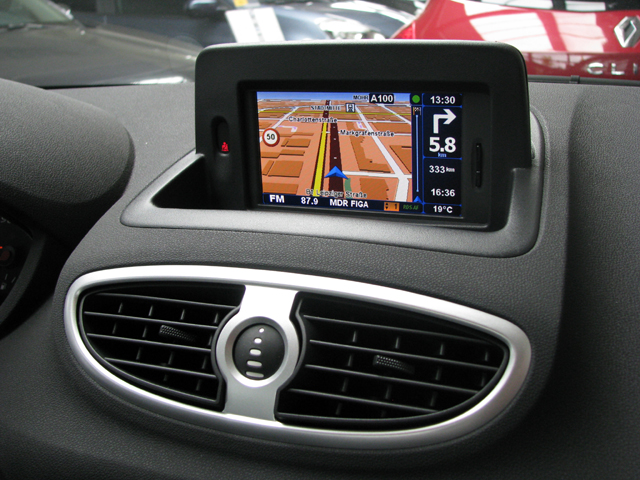renault carminat tomtom navigation. Black Bedroom Furniture Sets. Home Design Ideas