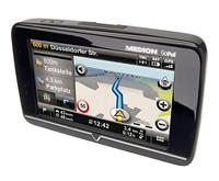 MEDION GoPal E4240 mit erweiterten Kartenmaterial und Clever Routes im Angebot bei ALDI Süd...