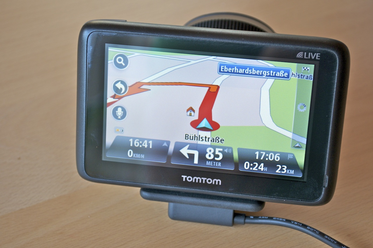 tomtom go live 1000 navigation gps blitzer pois. Black Bedroom Furniture Sets. Home Design Ideas