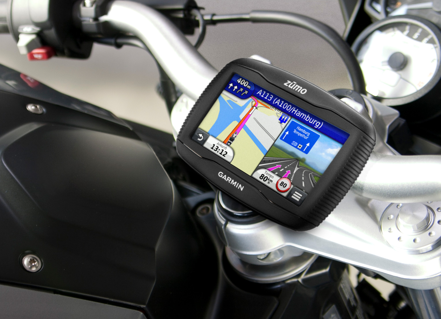 garmin pr sentiert motorrad navi zumo 340lm. Black Bedroom Furniture Sets. Home Design Ideas