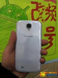 Samsung_Galaxy_S4_02