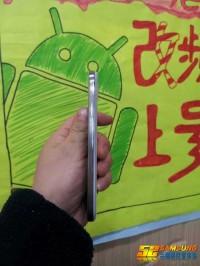 Samsung_Galaxy_S4_04