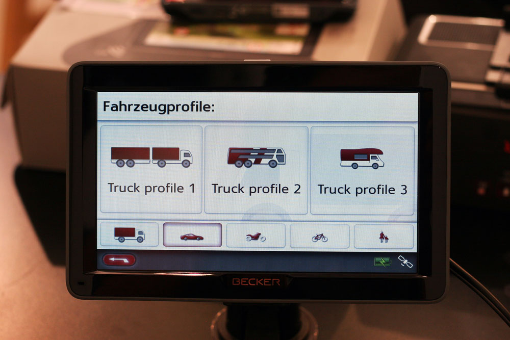ifa 2013 becker zeigt pkw und truck navis im 7 zoll. Black Bedroom Furniture Sets. Home Design Ideas