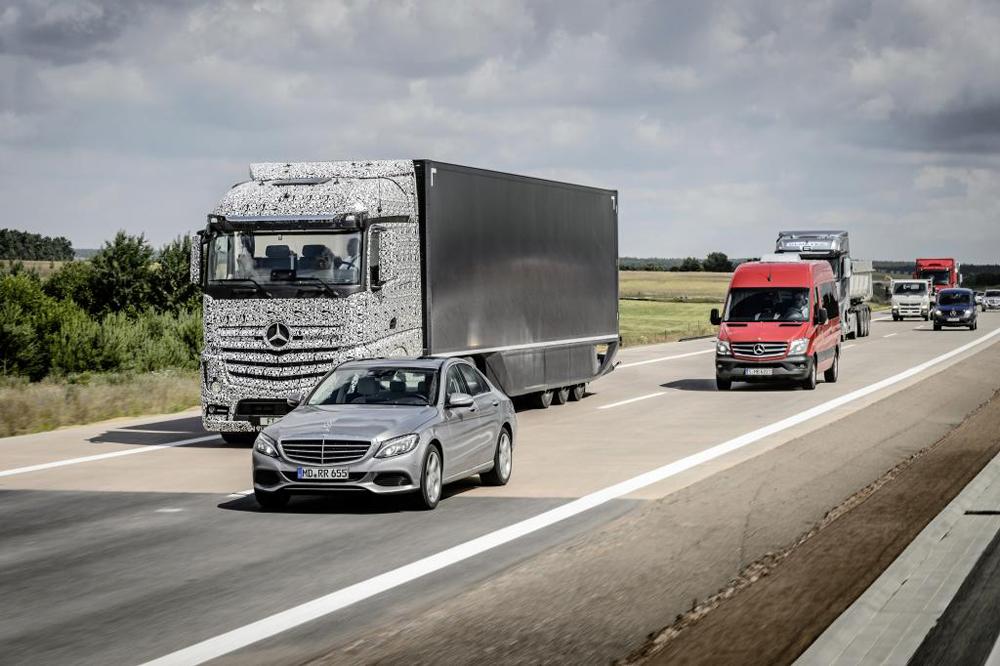 Mercedes-Benz-Future-Truck2025-02