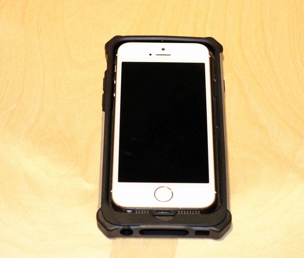 CAT-Active-Urban-iphone6-01