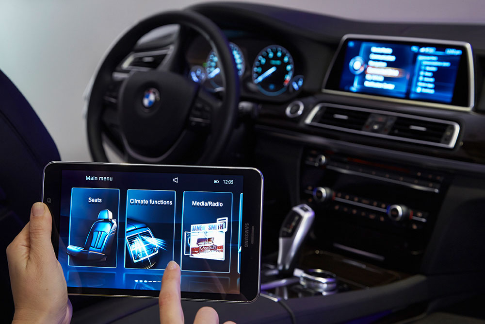 BMW-Touch-Command-01