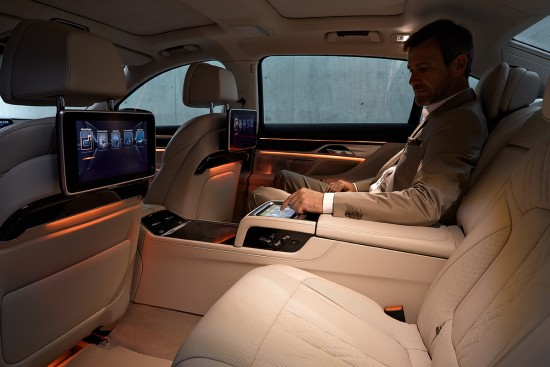 BMW-7er-Touch-Command