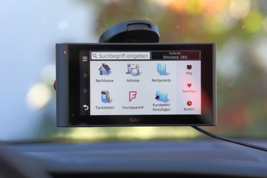 Garmin nüviCam im Auto