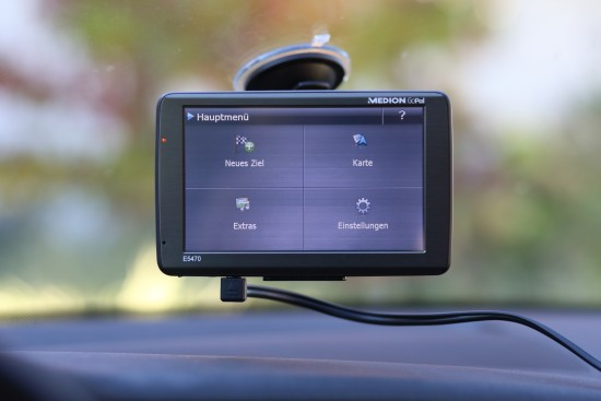 MEDION GoPal E4570 EU+ im Auto