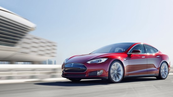 Roter Tesla Model S