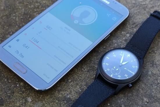 runtatsic_moment_elite_smartphone2