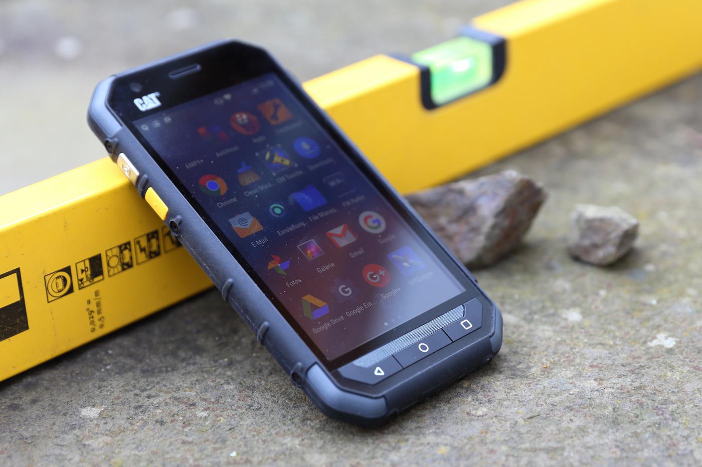cat s30 outdoor smartphone im test navigation gps blitzer pois. Black Bedroom Furniture Sets. Home Design Ideas