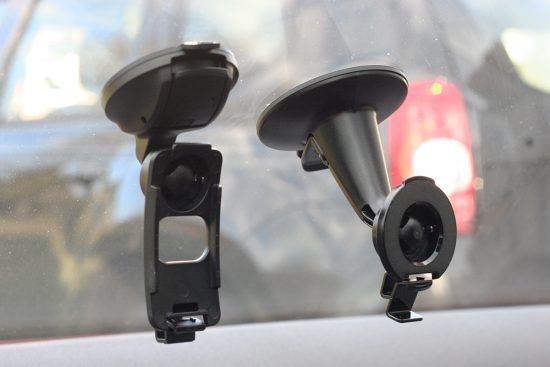 Garmin-DriveSmart-DriveAssist-Halter