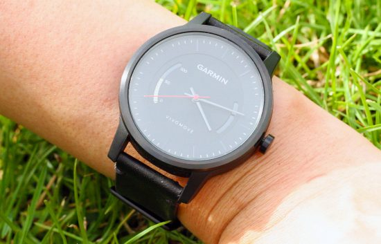 Garmin-vivomove-03-1900