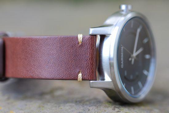 garmin_vivomove_armband_closeup