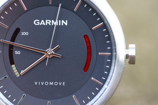 garmin_vivomove_close