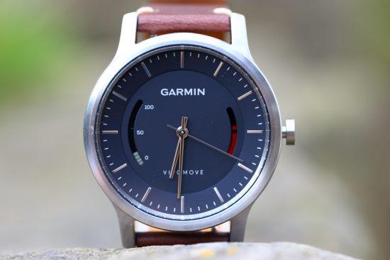 garmin_vivomove_closeup_move