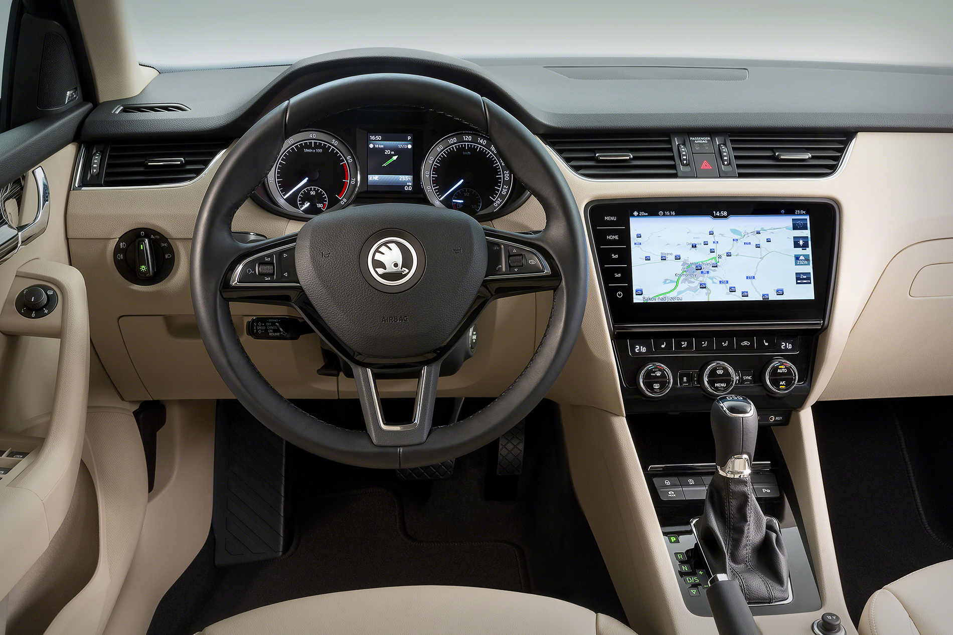 skoda octavia erh lt berarbeitetes navi und infotainment. Black Bedroom Furniture Sets. Home Design Ideas