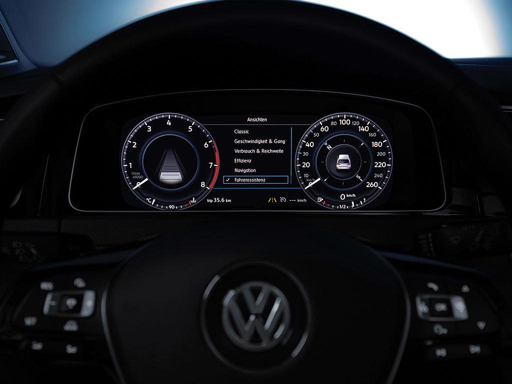 Auto cockpit vw  VW Golf erhält neue Infotainment-Systeme und digitales ...