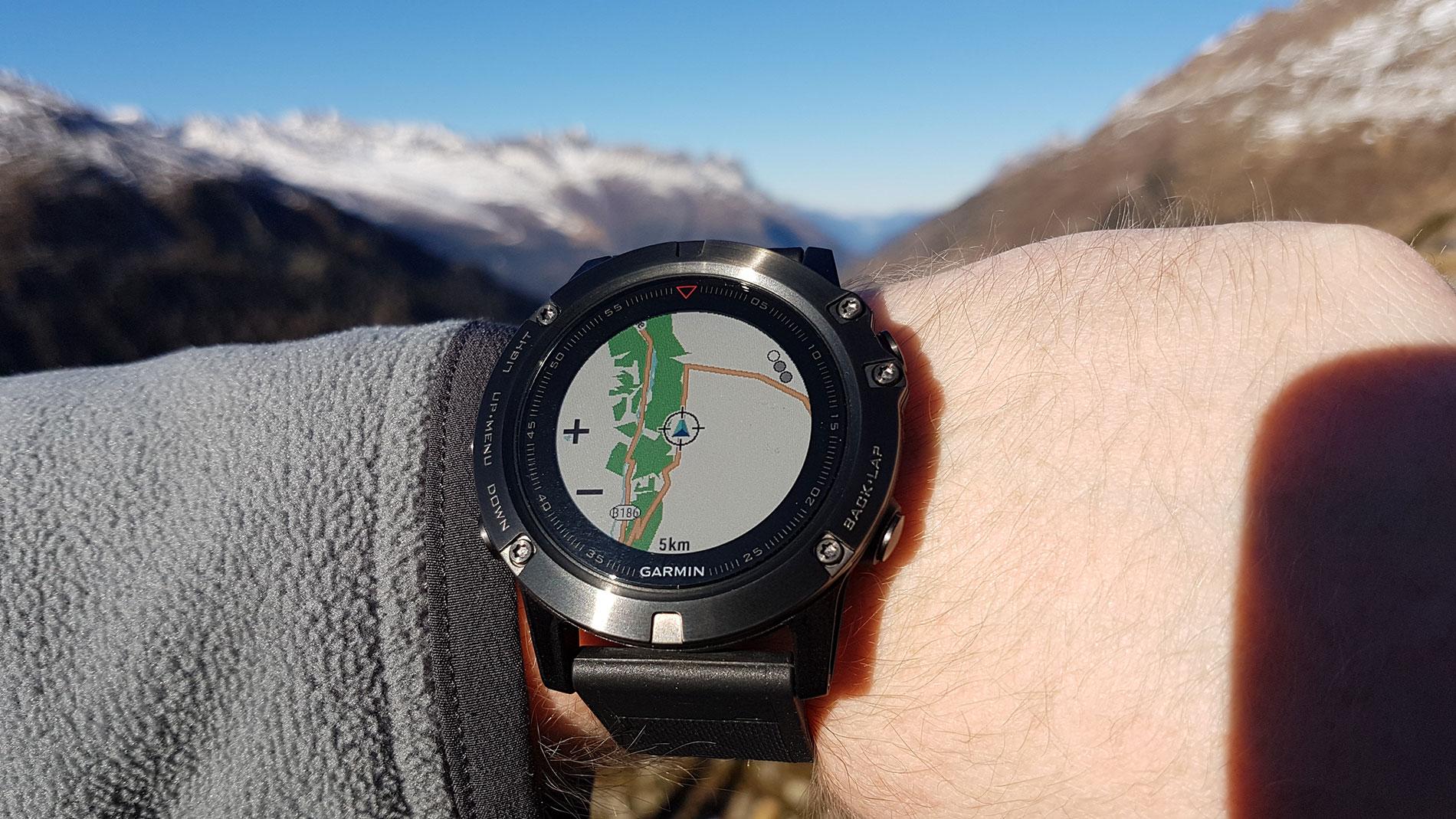 Garmin fenix 5: Neue GPS-Multisport-Smartwatch mit