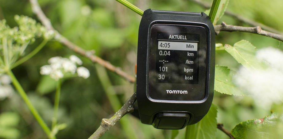tomtom adventurer outdoor gps uhr im test. Black Bedroom Furniture Sets. Home Design Ideas