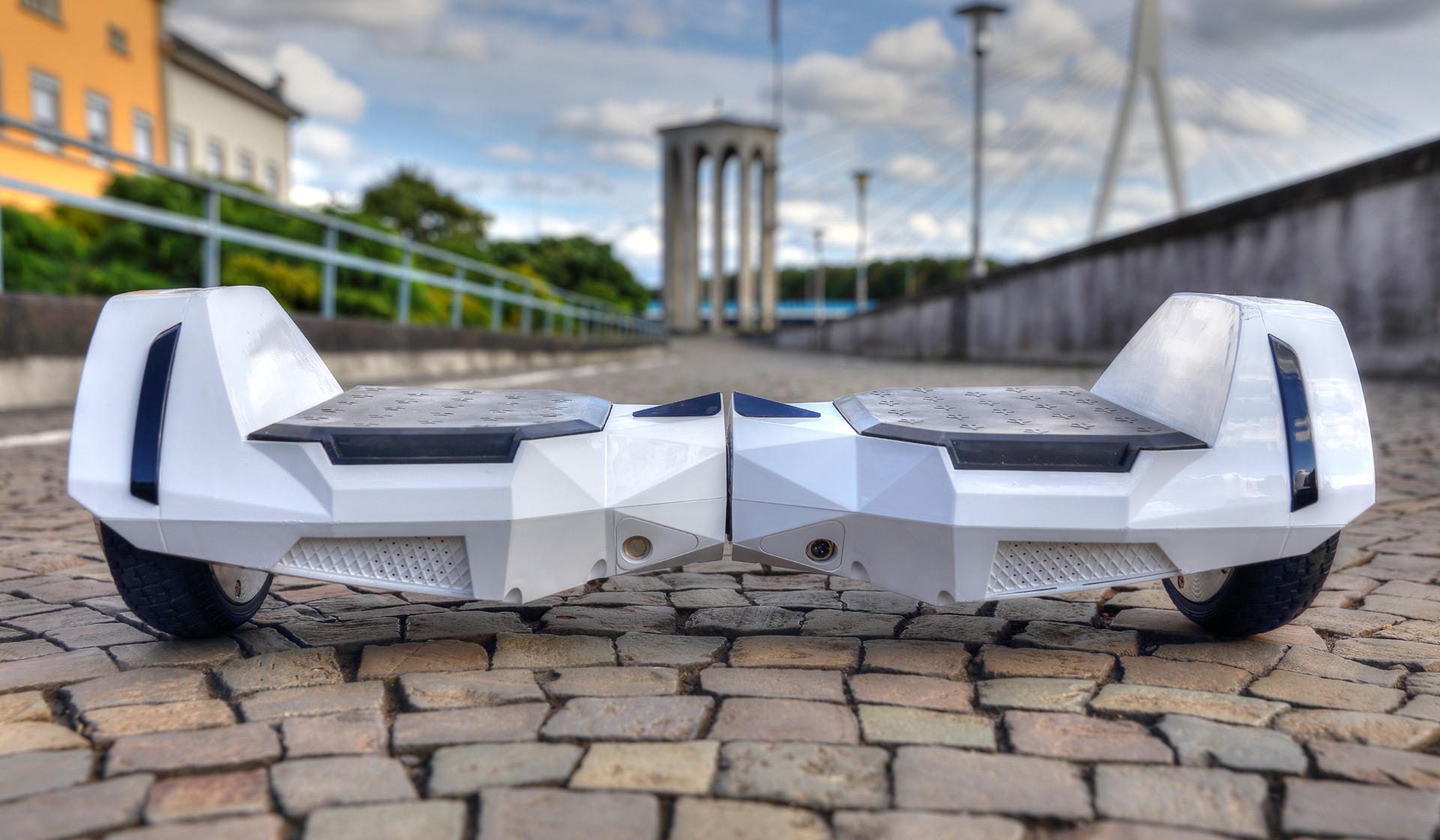 Test Hoverboard Alienboard Batwings Pocketnavigationde