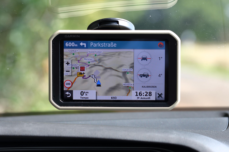 test garmin overlander all terrain navigation navigation gps blitzer. Black Bedroom Furniture Sets. Home Design Ideas